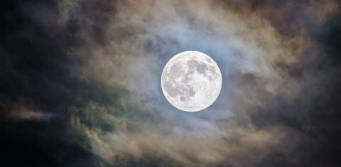 New research shows how the moon was born