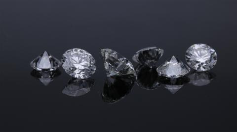 60-year-old woman steals £4.2 million diamonds from a luxury jeweller