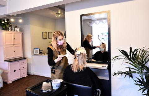 Hair Salon ordered to pay model £200,000 for wrong haircut