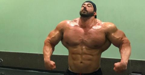 """He Went From Scrawny """"Toothpick"""" To Brawny Bodybuilder: Meet The Real-Life Hulk"""
