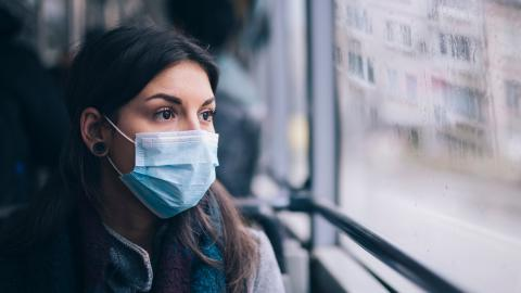Refusing to wear a mask, this woman was kicked off from the plane