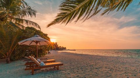 The Maldives are offering a twin-jab holiday package