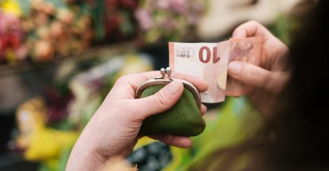 There Is A 10 Euro Bill Out There That Is Actually Worth 3,000. Do You Have It?