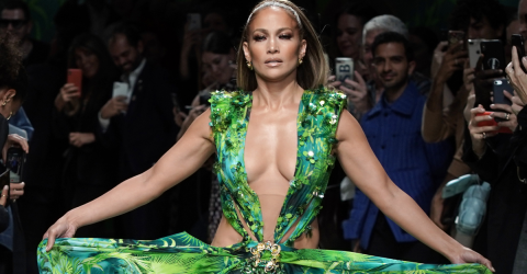 Check Out These Untouched Photos Of A Young Jennifer Lopez That Recently Went Viral