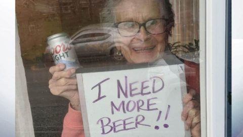 One 93-year-old's hilarious sign resulted in a huge delivery of beer