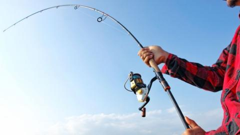 One wrong move caused this fisherman to die from electrocution