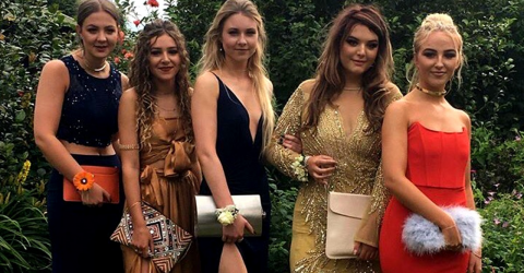 One hidden detail in this girl's prom photo made her go viral