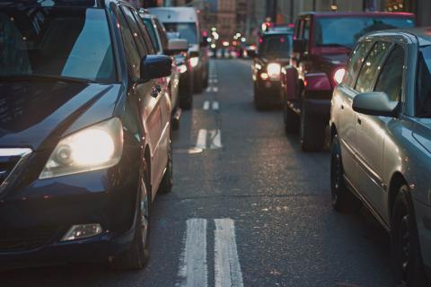 'I have to pee': Man calls 911 while stuck in traffic