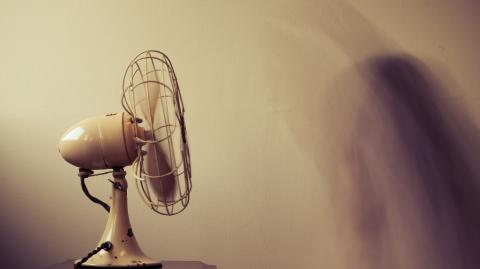 French Health minister warns about the risks of using fans during the pandemic